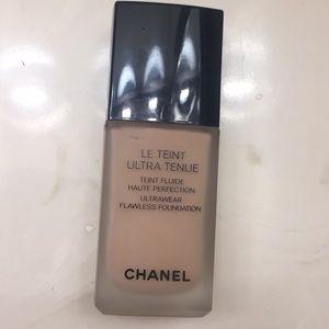 Chanel Le Teint Ultra Tenue Foundation